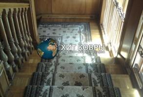 Укладка ковролина на лестницу